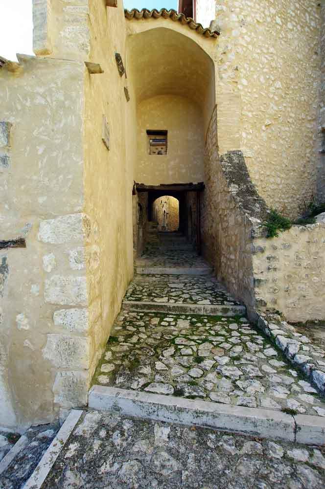 Borgo-di-Navelli-20